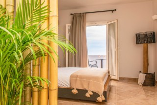 Panoramic Sea View Suite Ariadne decor