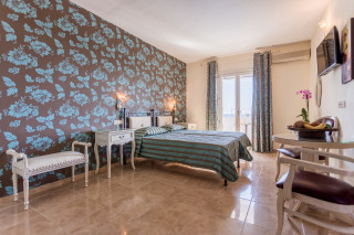 Classic Double room with Sea View ariadne hotel-02